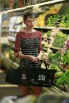 Celebrities Wonder 33515884_taylor-swift-whole-foods_4.jpg