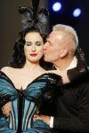 Celebrities Wonder 33584265_dita-von-teese-jean-paul-gaultier-fashion-show_5.jpg