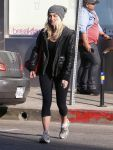 Celebrities Wonder 37162482_julianne-hough_1.jpg