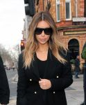 Celebrities Wonder 39736434_kim-kardashian-london_7.jpg