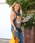 Celebrities Wonder 4054895_hilary-duff-recording-studio_7.jpg