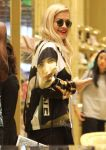 Celebrities Wonder 44271811_rita-ora-shopping_8.jpg