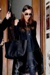 Celebrities Wonder 4915366_victoria-beckham-in-soho_4.jpg