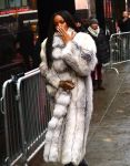 Celebrities Wonder 5043987_rihanna-good-morning-america_8.jpg