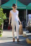 Celebrities Wonder 51718603_january-jones-grocery-shopping_1.jpg