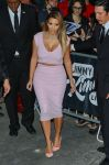 Celebrities Wonder 52212716_kim-kardashian-jimmy-kimmel-live_5.jpg