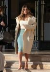 Celebrities Wonder 61501799_kim-kardashian-shopping_4.jpg