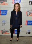 Celebrities Wonder 62380521_2014-Hollywood-Stands-Up-to-Cancer_Alyssa Milano 1.jpg