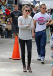 Celebrities Wonder 62468877_amber-heard-melrose-flea-market_3.jpg