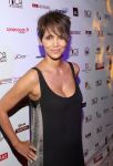 Celebrities Wonder 68660790_Halle-Berry-2014-Acapulco-Film-Festival_3.jpg