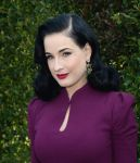 Celebrities Wonder 69182891_LOVEGOLD-luncheon_Dita Von Teese 3.jpg