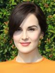 Celebrities Wonder 72474840_LOVEGOLD-luncheon_Michelle Dockery 4.jpg