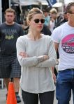 Celebrities Wonder 75322754_amber-heard-melrose-flea-market_5.jpg