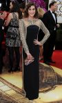 Celebrities Wonder 77921631_lizzy-caplan-2014-golden-globe_2.jpg