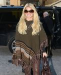 Celebrities Wonder 78827002_Jessica-Simpson-wearing-a-poncho_4.jpg