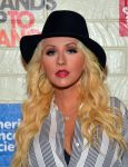 Celebrities Wonder 9004168_2014-Hollywood-Stands-Up-to-Cancer_Christina Aguilera 2.jpg