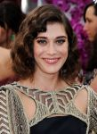 Celebrities Wonder 91347324_lizzy-caplan-2014-golden-globe_4.jpg