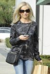 Celebrities Wonder 91599780_sarah-michelle-gellar-los-angeles_4.jpg