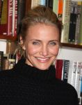 Celebrities Wonder 91792316_cameron-diaz-book_8.jpg