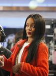 Celebrities Wonder 92373467_rihanna-good-morning-america_5.jpg