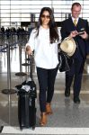 Celebrities Wonder 97657357_freida-pinto-lax-airport_2.jpg