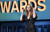 Celebrities Wonder 98453259_julia-roberts-grammy-awards-2014_3.JPG