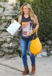 Celebrities Wonder 9890426_hilary-duff-recording-studio_2.jpg