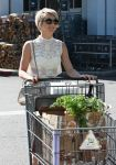 Celebrities Wonder 10722370_julianne-hough-bristol-farms_5.JPG