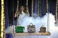Celebrities Wonder 13539689_Cara-Delevingne-Collection-by-Mulberry_5.jpg