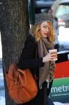 Celebrities Wonder 19380888_emma-stone-coffee_5.jpg