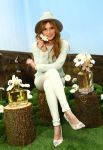 Celebrities Wonder 21051091_bella-thorne-Marc-Jacobs-Daisy-Tweet-Shop_3.jpg