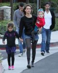 Celebrities Wonder 21446065_jessica-alba-family_4.jpg