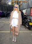 Celebrities Wonder 22378459_topshop-unique-fall-2014-front-row_Poppy Delevingne 3.jpg