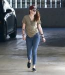 Celebrities Wonder 25479755_kristen-stewart-office_3.jpg