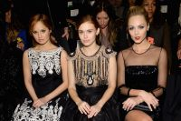 Celebrities Wonder 29631616_naeem-khan-fall-2014-front-row_4.jpg