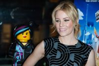 Celebrities Wonder 36090037_Elizabeth-Banks-at-The-LEGO-Movie-Screening-NY_7.jpg