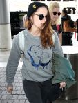 Celebrities Wonder 3908106_kristen-stewart-lax_6.jpg