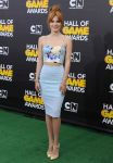 Celebrities Wonder 41410575_hall-of-game-awards_Bella Thorne 1.jpg