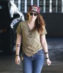 Celebrities Wonder 42859038_kristen-stewart-office_4.jpg