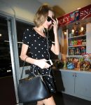 Celebrities Wonder 45746086_taylor-swift-shopping_5.jpg
