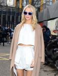 Celebrities Wonder 47831919_topshop-unique-fall-2014-front-row_Poppy Delevingne 4.jpg
