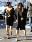 Celebrities Wonder 59742071_kim-kardashian-Kim Kardashian-lunch-with-Kris-Jenner_3.jpg