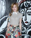 Celebrities Wonder 60561609_alice-olivia-presentation-fall-2014_Bella Thorne 2.jpg