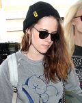 Celebrities Wonder 67910653_kristen-stewart-lax_8.jpg