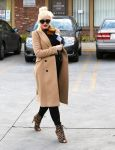 Celebrities Wonder 70060210_pregnant-gwen-stefani-Jesun-Acupuncture-Clinic_3.jpg