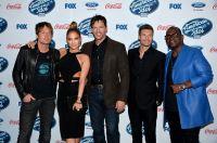 Celebrities Wonder 70536275_jennifer-lopez-American-Idol-13finalists-party_6.jpg