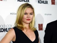 Celebrities Wonder 707439_ADG-Excellence-in-Production-Design-Awards_Julia Stiles 3.jpg