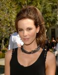 Celebrities Wonder 70974648_kate-beckinsale-Yoga-fundraiser-benefit-for-Breast-Center_7.jpg