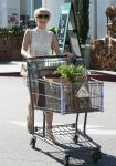 Celebrities Wonder 71884839_julianne-hough-bristol-farms_4.jpg