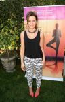 Celebrities Wonder 74619489_kate-beckinsale-Yoga-fundraiser-benefit-for-Breast-Center_2.jpg